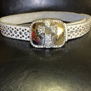 Accessories - White leather belt